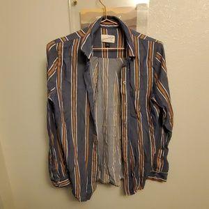 Universal Threads Shirt